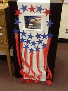 Mini display for Veteran's Day Veterans Day Poppy, Free Veterans Day, Veterans Day Activities, Veterans Day Gifts, Senior Activities, 4th Of July Decorations, School Decorations, Patriotic Crafts, Patriotic Wreath