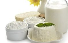 June is National Dairy Month! Cheers to health, nutrition, and all of the hard working dairy farmers across the nation! Vitamine B12, Home Remedies For Hair, Nutrition, Hair Loss Treatment, Everyday Food, Glass Of Milk, Healthy Living, Beverages, Ethnic Recipes