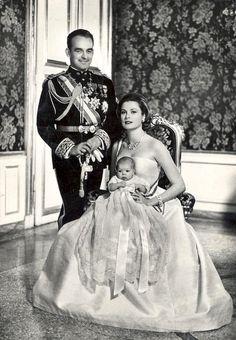 Mr hector and his mistress name Tatiana birth newborn Isabella Cecilia Gracia
