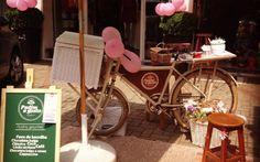 Pudim a gosto é o negócio de Ana Paula Ferreira. O marido de Ana é ciclista e a incentivou na ideia de incluir a bike em seu negócio. Foto: Reprodução/Facebook