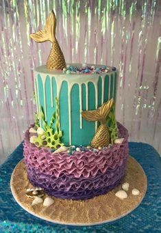 Drip mermaid cake, love it! Mermaid Party Favors, Mermaid Birthday Cakes, Mermaid Cakes, Birthday Cake Girls, 1st Birthday Parties, Birthday Party Decorations, Alcohol Cake, Mermaid Baby Showers, Little Mermaid Parties
