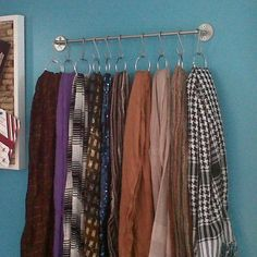 Google Image Result for http://www.shelterness.com/pictures/how-to-store-scarves-49.jpg