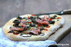 New Kitch On The Blog: Da war doch was: Focaccia mit getrockneten Tomaten...