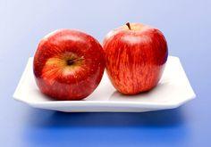 Köztudott, hogy a C-vitamin nagy szerepet játszik a megfelelő zsíranyagcsere lebonyolításában: voltaképpen enélkül a szervezet nem képes előállítani a noradrenalin nevű hormont, ami normál esetben kivonja a zsírokat a sejtekből. Szerencsére az almában található mennyiség pont elég ahhoz, hogy napi szinten feltöltse a C-vitamin-raktáraidat. A gyümölcs magas rost- és glükóztartalma - amely elnyomja az édesség utáni vágyat - már csak hab a tortán.