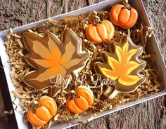 Cute and Colorful #Thanksgiving Cookies via #TheCookieCutterCompany