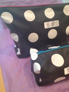 How to make 2 styles of makeup bags - large and small with zippers and boxed out corners