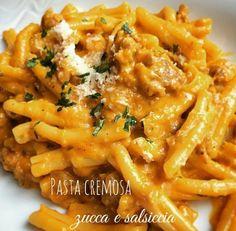 Pasta cremosa alla zucca e salsiccia - Cremige Nudeln Sausage Recipes, Pasta Recipes, Cooking Recipes, Healthy Recipes, Pasta Cremosa, Sausage Pasta, Creamy Pasta, Italian Pasta, Polenta