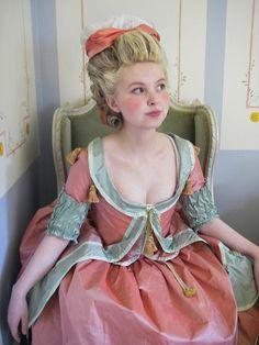 1770s Robe à la Polonaise by Johanni, http://18thcenturyblog.com/my-costumes