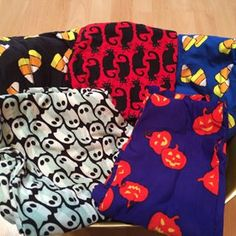 Looking for ANY halloween lularoe leggings in Tall/Curvy.