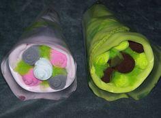 Bouquet de chaussettes | Béa l'a Fée Bouquet, Ethnic Recipes, Socks, Bouquet Of Flowers, Bouquets, Floral Arrangements