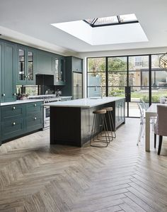 8 interior design large open plan kitchen diner extension 4 « A Virtual Zone Open Plan Kitchen Dining Living, Open Plan Kitchen Diner, Open Plan Living, Open Plan House, Open Galley Kitchen, Kitchen Layout Plans, Kitchen Small, Small Dining, Modern Kitchen Design