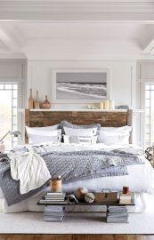 Beautiful rustic farmhouse master bedroom ideas (13)