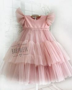 Sewing baby dress diy little girls 23 ideas for 2019 Dresses Kids Girl, Kids Outfits, Flower Girl Dresses, Diy Dress, Kids Fashion, Fashion Dresses, Baby Ideas, Kids Clothing, Free Images