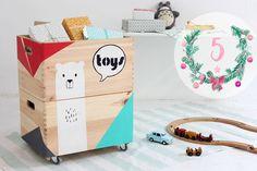 DIYnachten: bemale Spielzeugkisten mit Acrylfarben. So schaffst Du Ordnung im Kinderzimmen und machst den Kleinen eine große Freude!