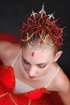 La Bayadere ballet headpiece www.theworlddances.com/ #costumes #tutu #dance