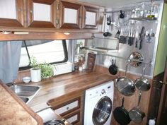 Who cooks here? Travis and Jess Location: Washington, D.C. Owned or rented? Owned Kitchen size: 70 square feet What challenge have you overcome in your kitchen? Houseboat life has no shortage of challenges — have you ever tried to sauté something at sea? — but fortunately these are greatly outweighed by the rewards! The boat is from 1986 and the décor hadn't been updated at all since then, and cabinet and counter space is minimal. (continued) Give Travis and Jess a THUMBS UP if you think…
