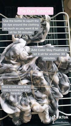 Tie Die Shirts, Diy Tie Dye Shirts, Diy Shirt, Tye Dye, Diy Tie Dye Designs, Diy Tie Dye Techniques, Tie Dye Tutorial, Tie Dye Crafts, How To Tie Dye