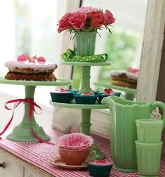 OMG love love love this - I would kill for a collection of these cake stands lol