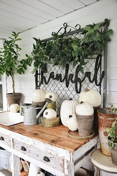 The Thankful Fall Potting Bench