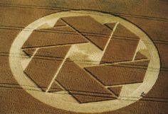 Origami+Crop+Circle+Beckhampton.jpg (450×308)