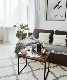 In Diesem Wohnzimmer Kann Man Sich Nur Wohlfühlen. Ein Super Bequemes Sofa,  Tolle Deko
