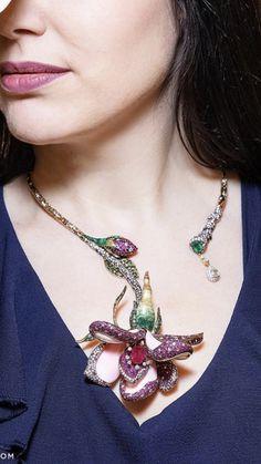 Funky Jewelry, Gems Jewelry, High Jewelry, Jewelry Art, Beaded Jewelry, Jewelery, Jewelry Necklaces, Women Jewelry, Necklace Ideas