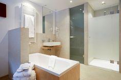 Bathroom at Chalet Amalien Haus, St Anton. Ski holidays with flexiski.