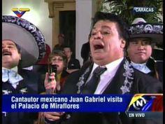 Así le cantó Las Mañanitas la estrella mexicana Juan Gabriel al Presiden...