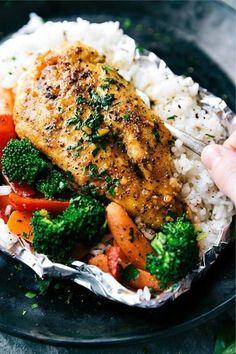 50+ best foil packet dinner recipe ideas Foil Packet Dinners, Foil Pack Meals, Foil Dinners, Easy Dinners, Grilled Foil Packets, Chicken Foil Packets, Hobo Packets, Healthy Eating Tips, Healthy Recipes