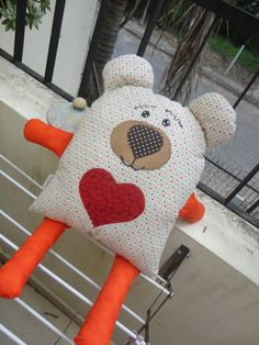 Ambrosial Make a Stuffed Animal Ideas. Fantasting Make a Stuffed Animal Ideas. Kids Pillows, Animal Pillows, Baby Sewing Projects, Sewing For Kids, Fabric Toys, Fabric Scraps, Sewing Toys, Sewing Crafts, Operation Christmas Child Boxes