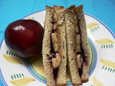 Peanut Butter and Jelly is a classic American sandwich, but have you tried a pbj and banana sandwich? It's kid-pleaser, of course, and adds an extra nutritional punch to this energy-giving sandwich.