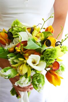 modern tropical wedding