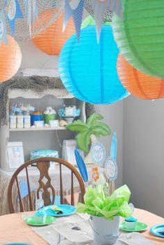 boy's surfs up birthday party decorations www.spaceshipsandlaserbeams.com