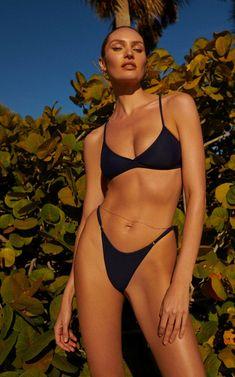 ffff5f76e1ce As 3347 melhores imagens sobre Bikinis em 2019 | Editoriais de moda ...