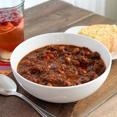 Texas-Style Chili is a great, all-in-one gluten free meal that is a great, filling dinner that will satisfy everyone in your family, including the pickiest of eaters.