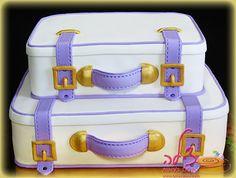 Luggage cake, suitcases cake - עוגת מזוודות Luggage Cake, Suitcase Cake, Unique Cakes, Creative Cakes, Beautiful Cakes, Amazing Cakes, Fondant Cakes, Cupcake Cakes, Bon Voyage Cake