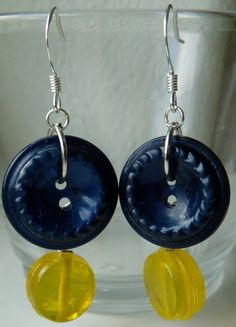 Vintage buttons & lampwork glass beads!