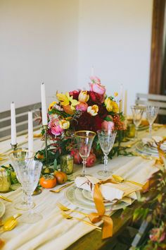 Fall Wedding tablescapes - photo by Amber Vickery Photography http://ruffledblog.com/elegant-fall-wedding-ideas-from-texas
