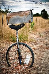 I will bet there is one heck a story to go with this Unicycle Mail Box Country Mailbox, Old Mailbox, Vintage Mailbox, Mailbox Post, Mailbox Ideas, Mailbox Planter, Funny Mailboxes, Unique Mailboxes, Pimp Your Bike