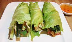Lunch - Sla wraps gevuld met omelet, garnalen en groenten