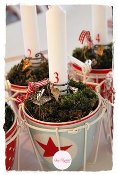 "Advent Candle ""Wreath"" A great alternative to the usual evergreen wreaths. Christmas Car, Woodland Christmas, Christmas Design, Christmas Crafts, Advent Wreath Candles, Advent Wreaths, Christmas Tablescapes, Christmas Decorations, Decor Crafts"
