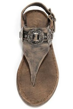 It's the dawn of fresh Western styles like the Matisse Ringo Black Tumbled Leather Western Thong Sandals! Thick-yet-supple leather is tumbled to perfection with antiqued hardware. Cute Shoes, Me Too Shoes, Trendy Shoes, Casual Shoes, Wedge Shoes, Shoes Heels, Flat Sandals, Boho Sandals, Prom Shoes