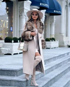 casual winter outfits that look expensive 24 Winter Mode Outfits, Casual Winter Outfits, Winter Fashion Outfits, Classy Outfits, Look Fashion, Chic Outfits, Autumn Winter Fashion, Womens Fashion, Autumn Fashion Classy