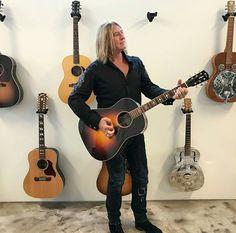 Joe hanging out at Gibson guitars studios 8/2017