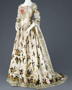 Embroidered dress, worn by Empress Elisabeth of Austria, ca. 1880. Kunsthistorisches Museum, Vienna