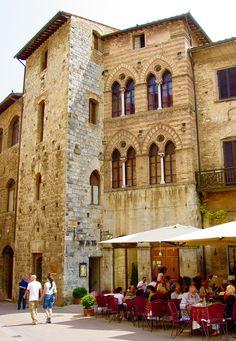 San Gimignano, Tuscany. Soooo beautiful