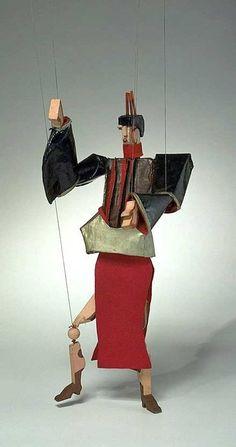 the marionettes of Aleksandra Aleksandrovna Ekster