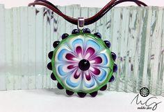 Colgante de Vidrio, Colección Mandalas. Lampwork Beads. Hecho a mano por MALAKAGLASS de MALAKAGLASS en Etsy