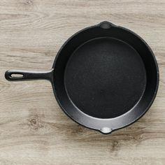 Patelnia Żeliwna Cast Iron | home-you.com