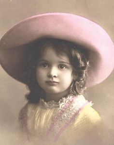 vintage child, beth Vintage Children Photos, Vintage Girls, Vintage Pictures, Vintage Images, Vintage Outfits, Album Vintage, Vintage Ephemera, Vintage Postcards, Vintage Paper